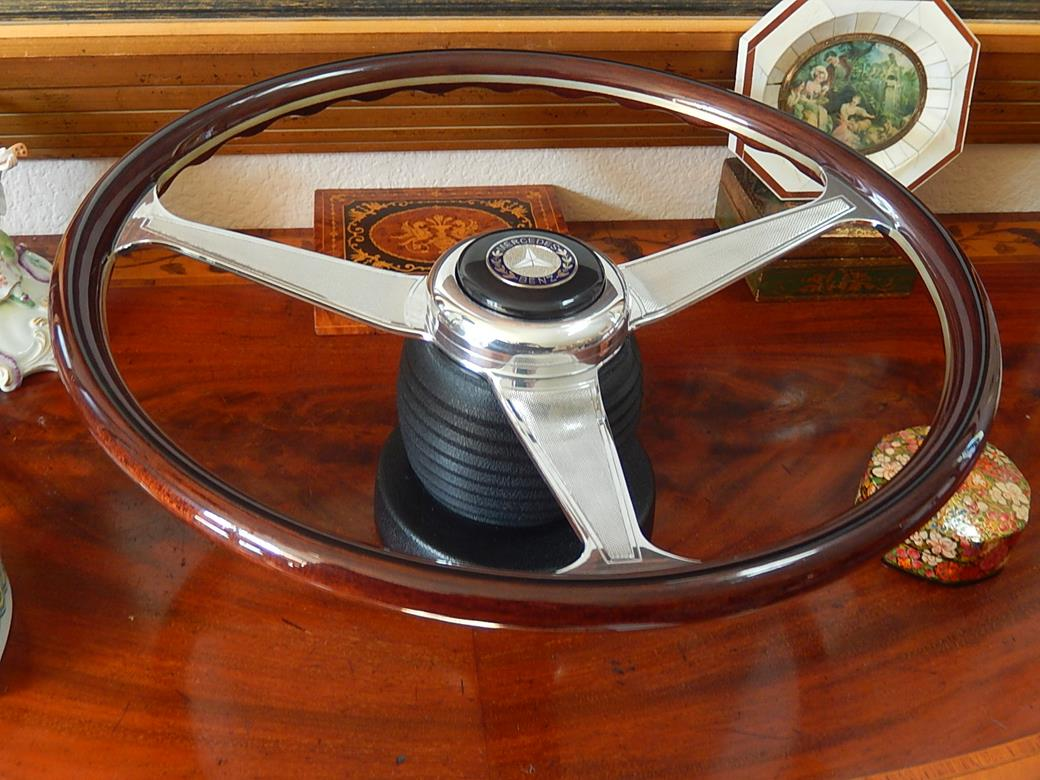 187 photos mercedes r129 500 sl nardi dark wood steering for Mercedes benz wood steering wheel